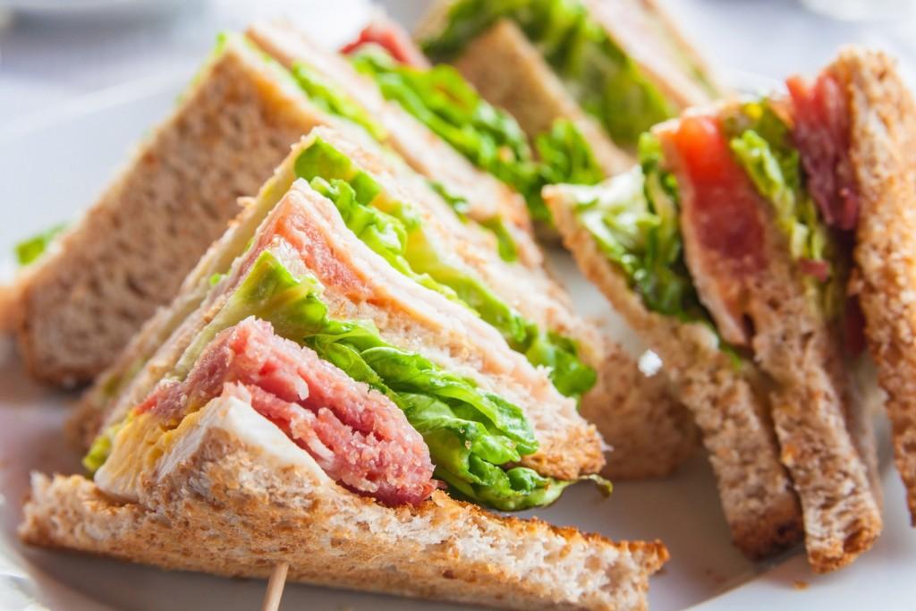 Cara Membuat Sandwich Sosis Yang Mantapnya Nendang
